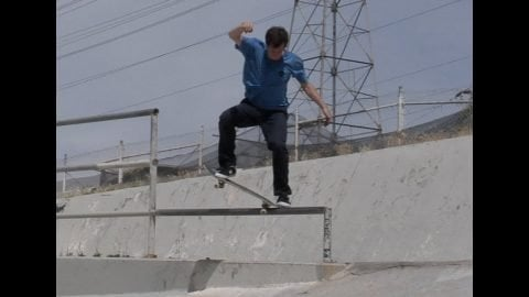 Cookie Fakie 5 0 360 Raw Cut | E. Clavel
